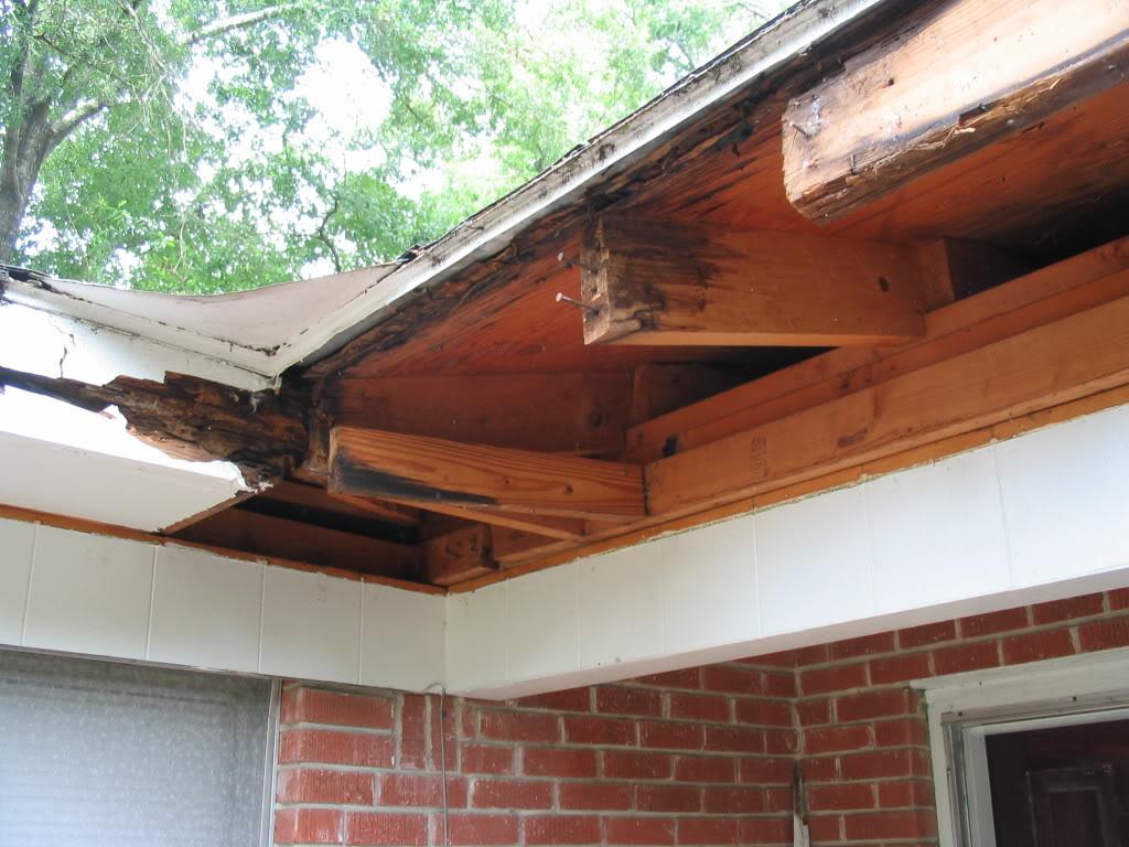 Shoreline Roofing Contractor Internal Gutter Vs External